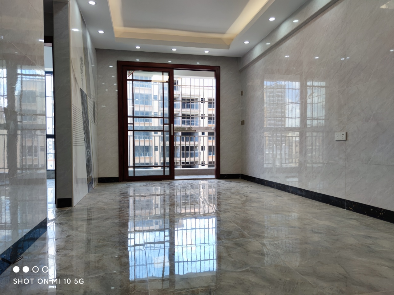 長安小產權房《翰林雅居》首付2萬學區房,3棟小區 統建樓